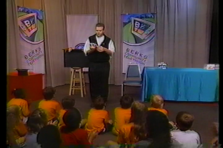 Pennsylvania Magician Eddy Ray Performing